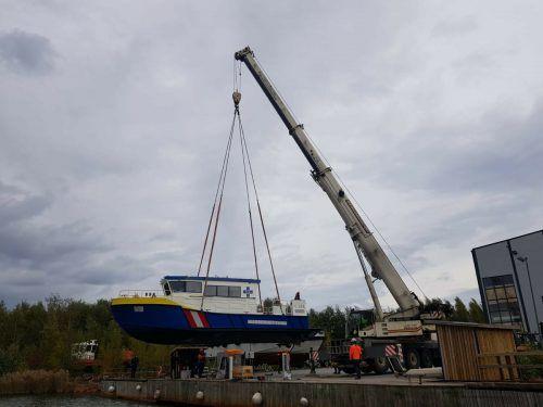 Das Boot beim Verlassen der Werft.