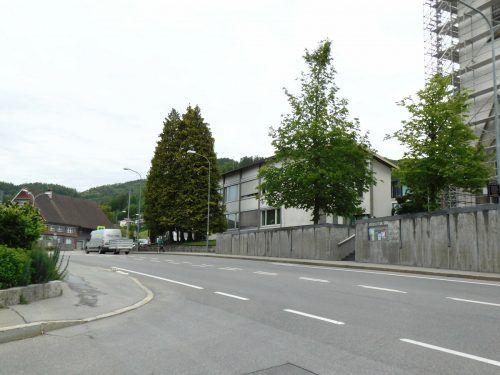 Für die Bauarbeiten wird der Verkehr im Ortszentrum rund vier Wochen lang per Ampel geregelt. MÄser