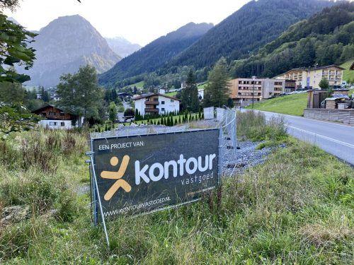 Hier, am Ortseingang von Brand, soll das geplante Kontour-Hotel entstehen.VN/JS