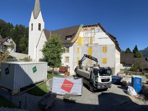 In der Propstei St. Gerold wurde mit der Sanierung des historischen Hauptgebäudes begonnen. VN/JS