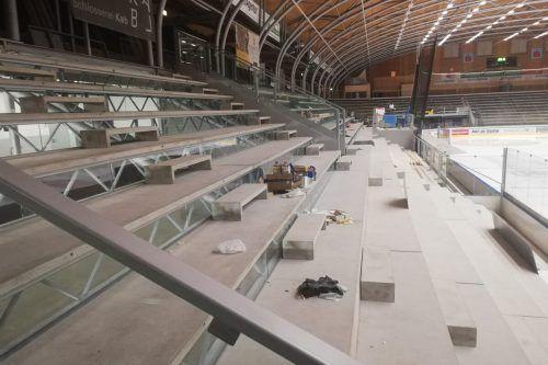 Die neue Tribüne im Messestadion soll in rund drei Wochen fertig sein, die Räume im Unterbau bis Jänner.Stadt