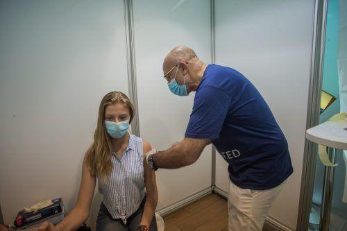 Julia packte die Gelegenheit beim Schopf und ließ sich impfen. vn/steurer