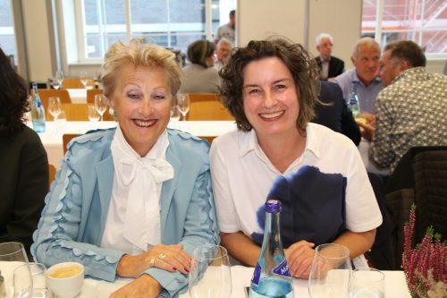 Kitty Hertnagel (l.) und Simone Bemetz-Kochhafen leiteten die Generalversammlung der ARGE Mobile Hilfsdienste.Mohi