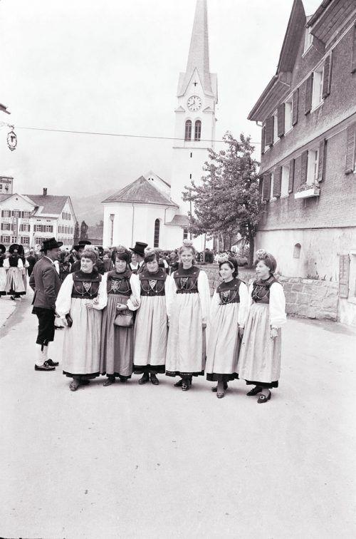 Lingenau, Trachtenumzug, 1968