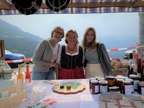 Magdalena Morscher (Mitte) mit Franziska und Amelie.