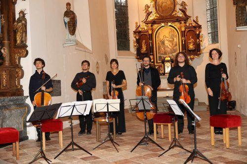 Misha Favis, Gregor Hänssler, Barbara Doll, Mathias Johansen, Cianmaria Nobile und Genevieve Strosser. MEusburger