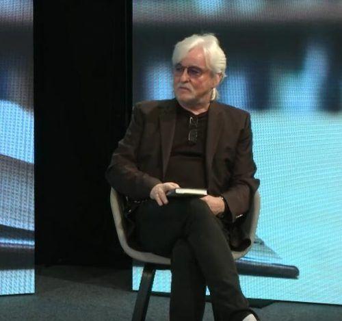 Mit seinem Roman ist Reinhold Bilgeri wieder auf Lesetournee.