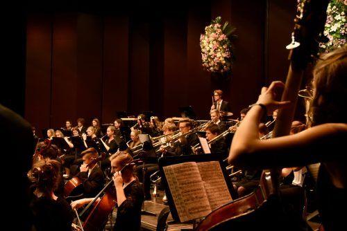 Nach eineinhalb Jahren Spielpause ist das Jugendsinfonieorchester endlich wieder auf der Bühne. C. Begle