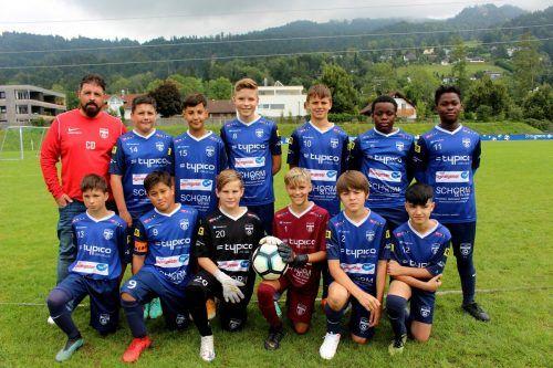 Nachwuchsarbeit beim SV typico Lochau: U13-Team mit Co-Trainer Dino De Pace.bms