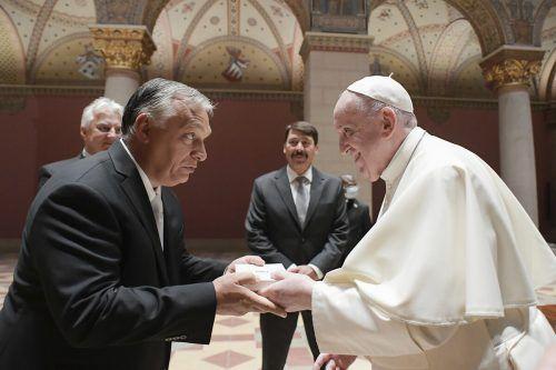 PapstFranziskus (r.) und Premier ViktorOrbanin Ungarn: Franziskus verurteilte unter anderem den in Europa schwelenden Antisemitismus. AP