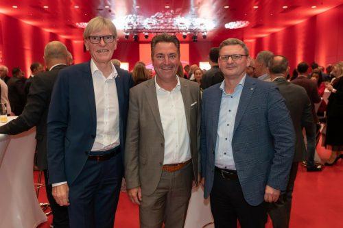 Raiba-Vorstand Wilfried Hopfner, Landesdirektor Markus Stadelmann (UNIQA) und VLV-Vorstand Klaus Himmelreich.