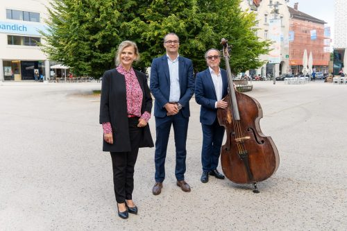 Renate Bauer, Sparkassenvorstand Mag. Johannes Hämmerle und Rosario Bonaccorso. VERANSTALTER