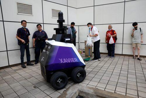 """Roboter """"Xavier"""" soll noch bis Ende September auf Streife gehen. reuters"""