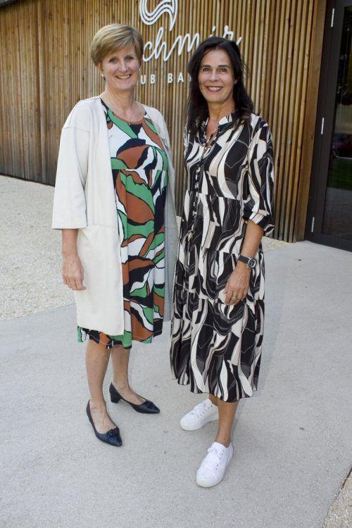 Sabine Tichy-Treimel (l.) und Künstlerin Maria Gabriel.