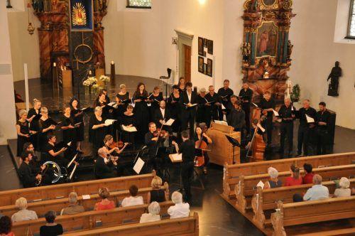 Solisten, Chor und Orchester in der Basilika Maria Bildstein.Martin Loretz