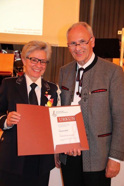 Susanne Künz (BM Lauterach) erhielt das Ehrenzeichen für 40-jährige Vereinszugehörigkeit.