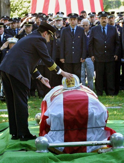 Trauerfeier für Pater Mychal am 15. September 2001.AP