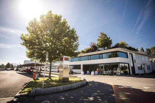 Um dem zunehmenden Preisdruck zu begegnen, investiert Carini mit Geschäftsführer Edgar Sohm in die Effizienz. carini/VN