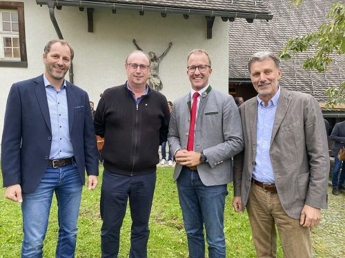 V.l.: David Domig (Bergbahnen Brandnertal), Dietmar Tschohl (Sonnenkopf Bergbahnen), LR Christian Gantner und Markus Burtscher (Golm Silvretta Lünersee Tourismus).