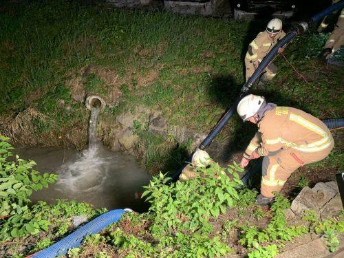 Von einem Gerinne wurde Löschwasser abgeleitet. VlACH