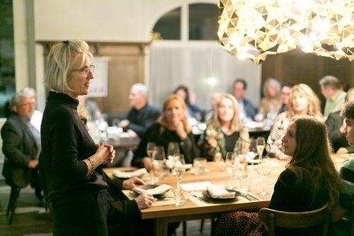 zemma wirta bringt Frauen und Kultur in der Gaststube zusammen.MAthis