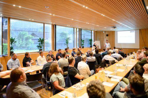 Zimmerer diskutierten bei Holzbautag über künftige Strategien.FA/Rhomberg
