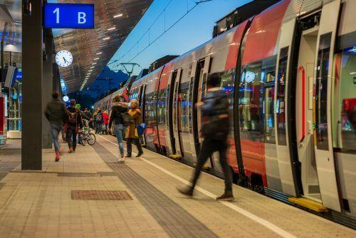 Zwischen 4. und 19. Oktober wird ein Schienenersatzverkehr eingerichtet. VN