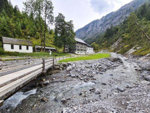 Am Gipfelkreuz der Wangspitze gibt es sogar eine Bank zum Ausruhen.Oliver Ihring