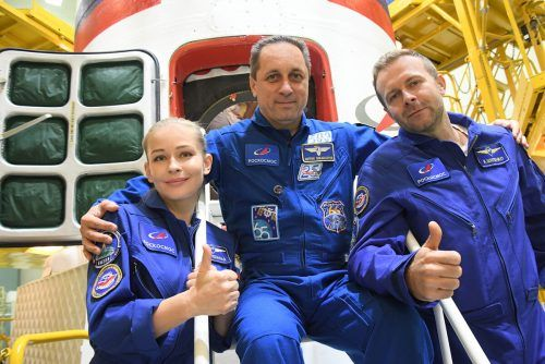Auf ihrem Weg zur ISS in der Sojus MS-19 werden Peressild und Schipenko vom Kosmonauten Anton Schkaplerow (M.) begleitet. Reuters