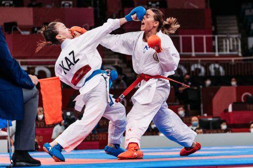 Bei den Sommerspielen in Tokio setzte sich Bettina Plank in der Vorrunde gegen Moldir Zhangbyrbay mit 4:3-Punkten durch.GEPA