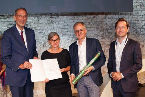 Bildungsminister Heinz Faßmann (links) zeichnete die HAK/HAS Lustenau aus.Gde