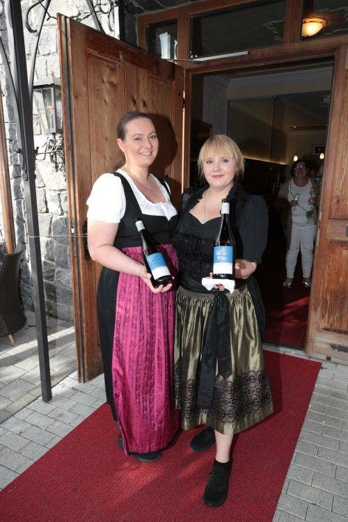 Boten einen perfekten Service: Anna Lehmann und Ramona Stark.