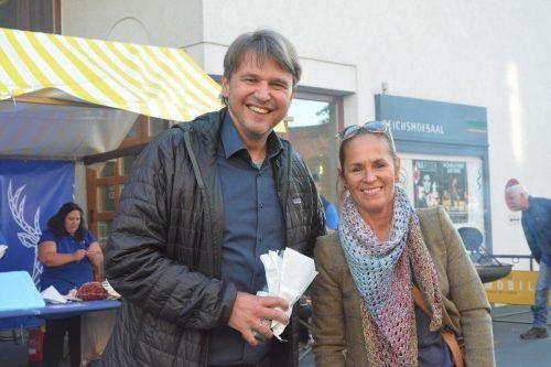 Bürgermeister Kurt Fischer und seine Frau Beate ließen sich die Präsentation des Liedes nicht entgehen.