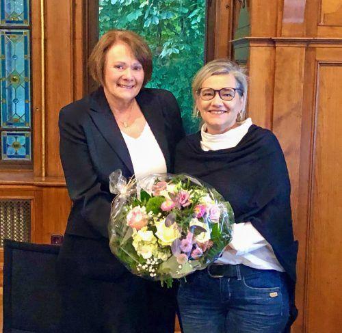 Bürgermeisterin Irmgard Hagspiel mit Stellvertreterin Desiree Schindler.
