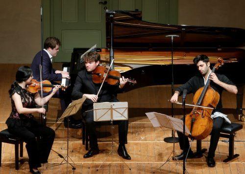 Cellist Kian Soltani mit der Geigerin Hyeyoon Park, dem Pianisten Benjamin Grosvenor und dem Bratschisten Timothy Ridout. schubertiade