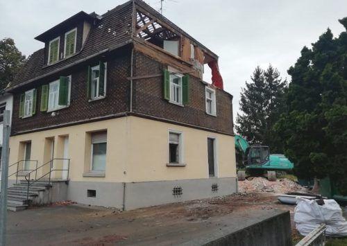Das geschichtsträchtige Paulihaus im Altacher Zentrum wird dieser Tage abgerissen.Mäser
