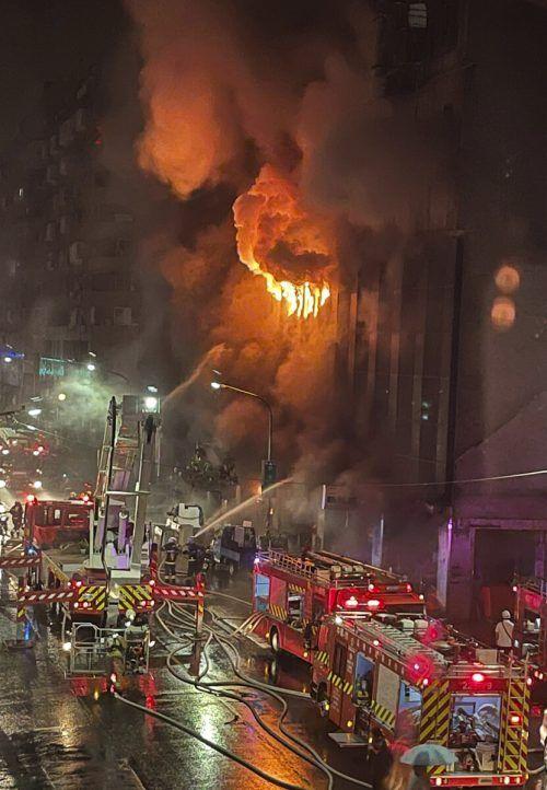 Der Brand ist im ersten Stock des Hauses ausgebrochen. Die Ursache ist unklar. AP