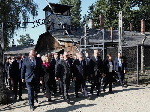 Der Bundespräsident und mehrere Minister kamen zur Eröffnung und Gedenkfeier nach Auschwitz. Reuters