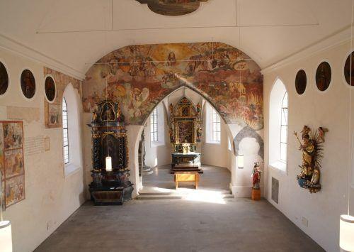 Die Restaurierung im Innenbereich der Alten Kirche ist abgeschlossen. Am 23. Oktober findet der erste Gottesdienst seit Langem statt.Mäser