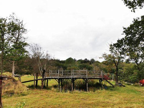 Die Brücke wurde 1979 offiziell in Poohsticks Bridge umbenannt. AFP