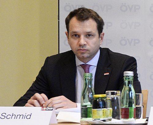 Die Chats von Thomas Schmid lösten ein politisches Erdbeben aus. Unter anderem geht es um den Verdacht der verdeckten Verrechnung von ÖVP-Umfragen im Finanzressort.APA