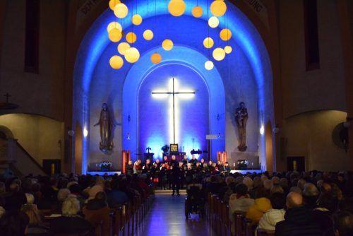 Die Chorsängerinnen und -sänger aus dem Raum Bludenz stellen sich in den Dienst der guten Sache. STADT BLUDENZ