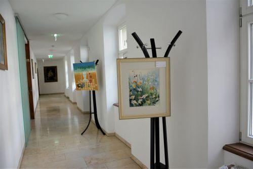 Die Gemälde bekannter heimischer Künstler sind im Kreuzgang des Klosters ausgestellt und immer freitags zu besichtigen.eh (2)