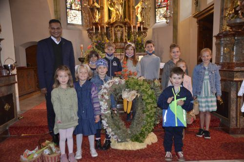 Die Kinder gestalteten den Erntedankgottesdienst mit.DOB
