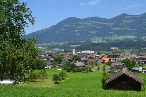 Die Marktgemeinde Nenzing wurde für die sorgfältige Bodennutzung ausgezeichnet.EM