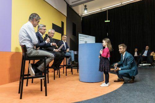 """Die sechsjährige Sophia fragte das Podium: """"Was macht ihr, damit ich auch in 50 Jahren noch an der frischen Luft ausreiten kann?"""" FHV"""