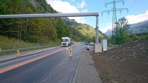Die Verbreiterung der S 16 im bereich des Dalaaser Tunnels ist in vollem Gang und soll bis Mitte November abgeschlossen sein. ASFINAG