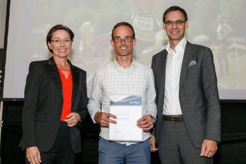 Martina Rüscher und Markus Wallner mit Martin Reischmann, Präsident des Kletterverbandes Vorarlberg (KVV).
