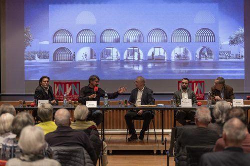 Diskutierten auf dem Podium: Gemeinderat Martin Fitz (FPÖ, v.l.), Bürgermeister Kurt Fischer (ÖVP), Moderator Klaus Hämmerle, Hamit Öztürk (ATIB) und Hans Rapp (Diözese Feldkirch).vn/paulitsch