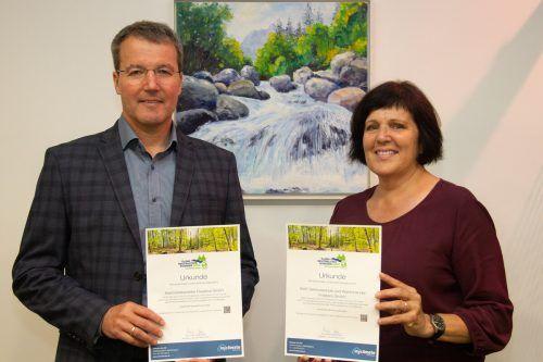E-Werke-Geschäftsführer Rainer Hartmann und Mitarbeiterin Michaela Reisch zeigen Engagement in den Klimaschutzprojekten.E-Werke Frastanz